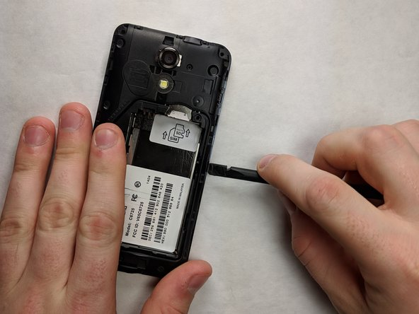 Remove the inner plate from the phone using the spudger or your fingers.