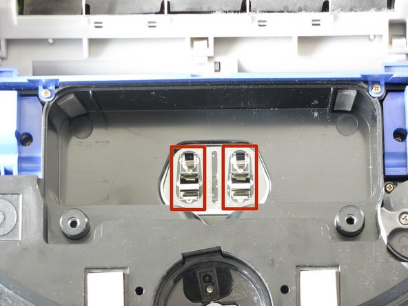 Image 1/2: These are the contact points on the battery