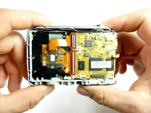 Now that the LCD screen as been completely removed, the internal lens can be removed.