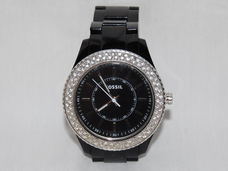 Fossil women 39 s black resin bracelet glitz analog dial watch ifixit for Black resin ladies watch