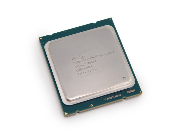 Quad-Core Intel Xeon E5-1620 v2 with 10 MB L3 cache, clocked at 3.7 GHz, Turbo Boost up to 3.9 GHz.