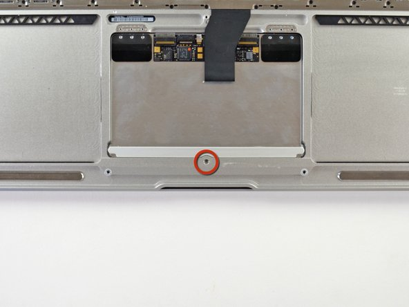 Open the MacBook to nearly 90° so that it stands stable on its display case.