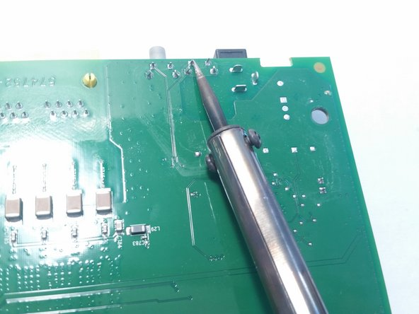 Avoid contact with the board with the solder, only touch the silver points