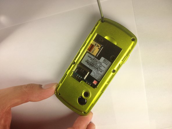 Disassembling Samsung Gravity SGH-T459  Rear Case