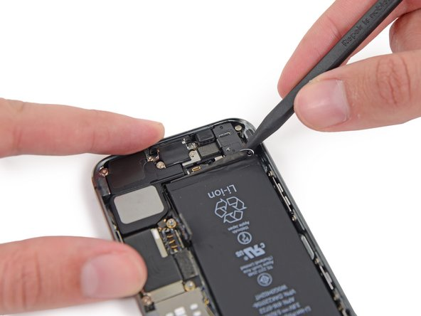 Image 1/3: Important: Apply heat to the bottom of the iPhone case using an iOpener or similar heating pad to soften up the battery adhesive strips and make them more flexible, otherwise they will probably break when you pull on them.