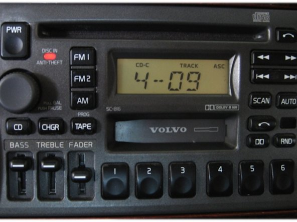 Image 1/2: Control the MP3 Player in the same manner as you would normally control the CD changer:  See Volvo SC-813 Users Guide Segment below