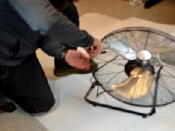 "How to Replace the Fan Blade Assembly on the  Utilitech SFC-1 500B 20 "" High Velocity Floor Fan"