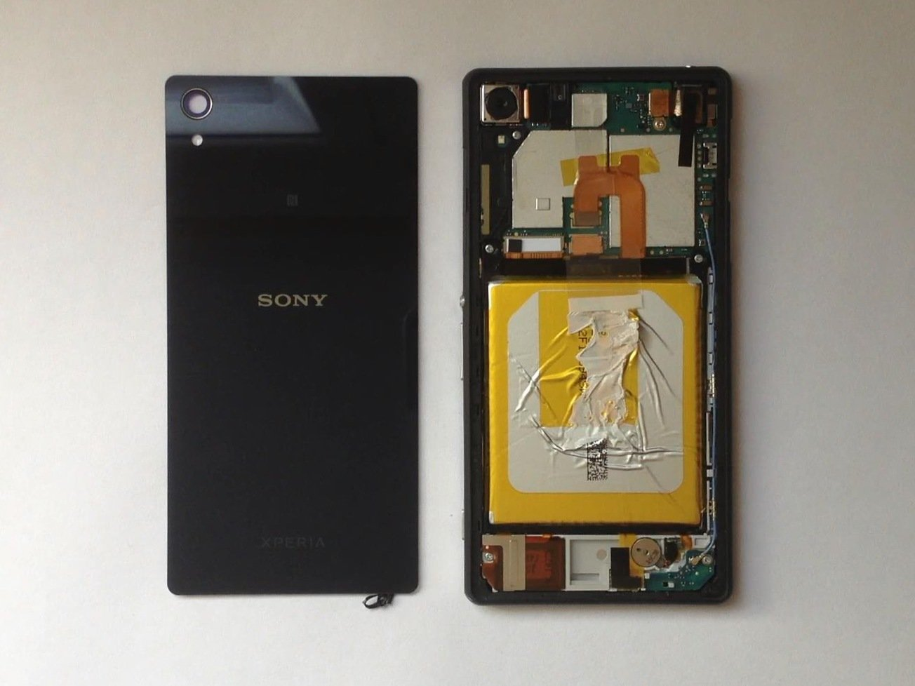 watch 4307b 5c66c Sony Xperia Z2 Rear / Battery Cover Replacement