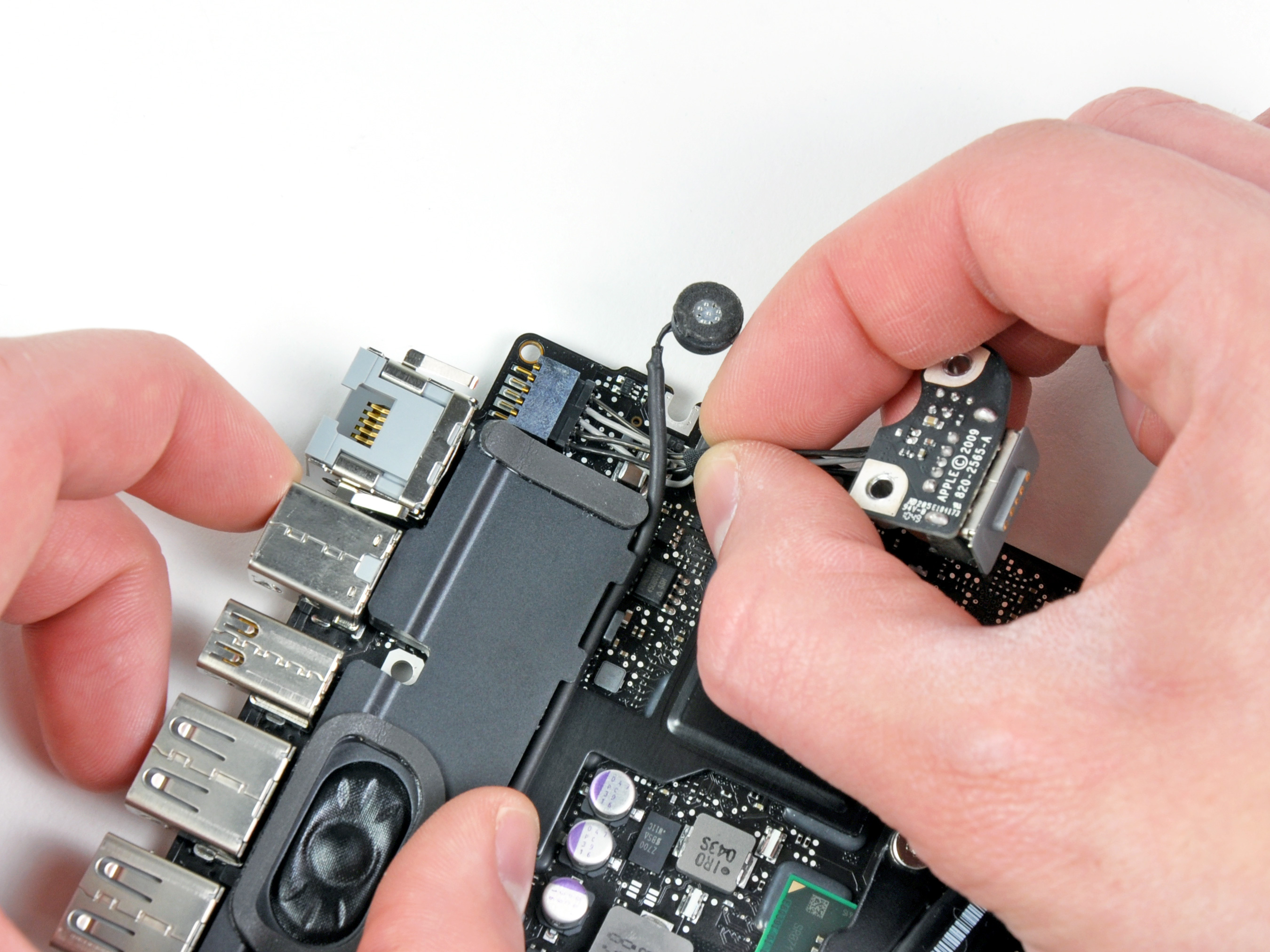 Macbook Pro 13 Unibody Early 2011 Magsafe Dc In Board Replacement Creative And Cool Ways To Reuse Old Circuit Boards 15 12 Ifixit Repair Guide