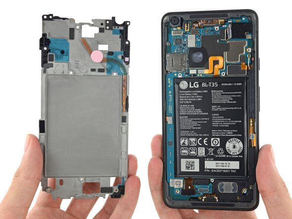 Piggybacking onto that midframe, we find a brand new heat pipe! Looks like this phone might just run a bit hotter than its previous incarnation.