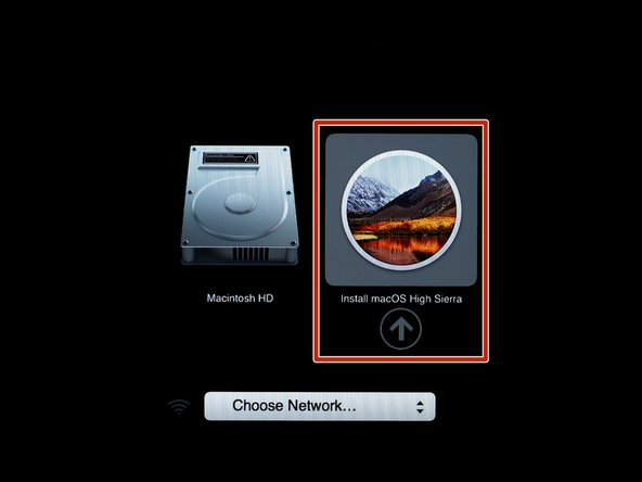 Plug in your iOS High Sierra bootable flash drive.