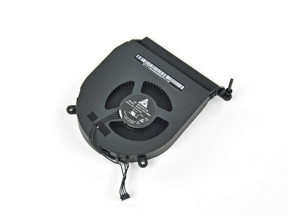 Image 2/3: Sticking with the brushless, high blade density blower, this single fan is quiet and effective.