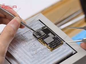 iPhone 11 Pro Motherboard Separating & Recombining