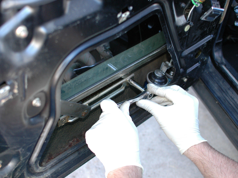Mercedes W123 Power Window Regulator, Rear Replacement - iFixit