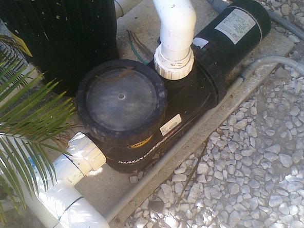 Turn off the power to the pool pump.