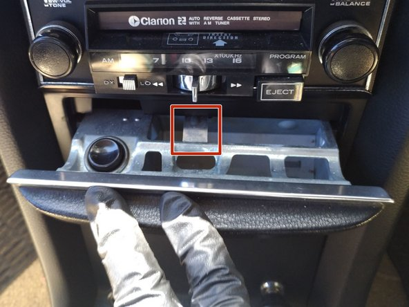 This car was never sold in USA, as I'm in New Zealand, but the centre-console is the same for all the other 114 and 115 automatics (and probably other model ranges)