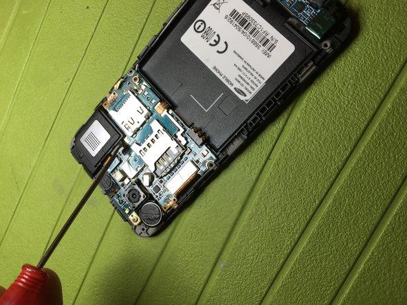 Sganciare connettore speaker posteriore