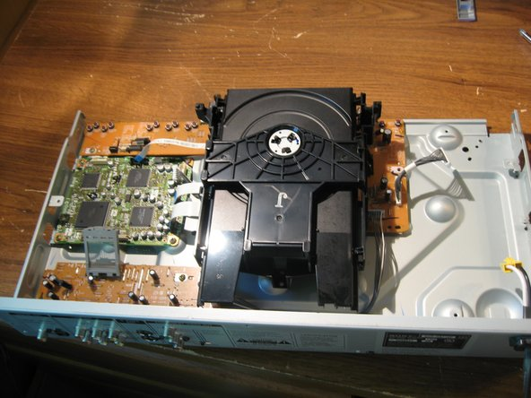 Image 2/3: Remove Cd Tray.