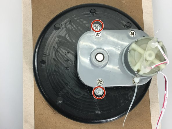 Image 1/2: Remove round watch insert