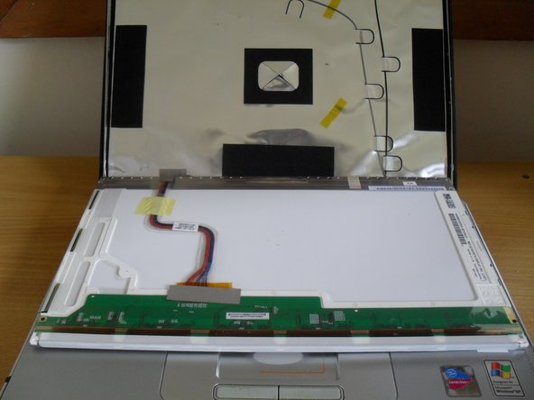 Compaq Presario v2000 Display Panel Replacement