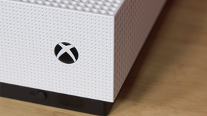 This Xbox One S Doesn't Have a Disc Drive But At Least It's Repairable