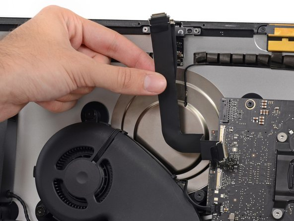 """iMac Intel 21.5"""" EMC 2638 iSight Kamera- und Mikrofonkabel austauschen"""