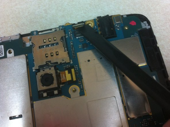 Image 2/3: Now you are able to remove the motherboard from the tablet.
