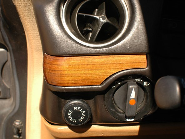 Mercedes W123 Wood Trim Replacement