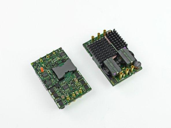Après les étages de filtrage et de régulation de l'alimentation, la sortie est de 12 volts continus avec une intensité de 40 ampères soit une puissance maximale de 480 watts pleine charge.