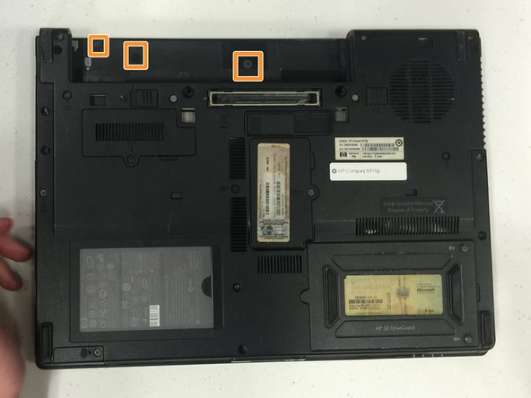 Image 2/2: Remove the battery.