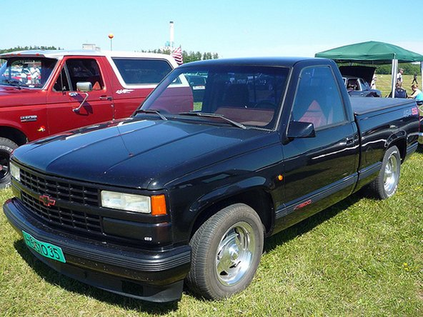 1988 1998 chevrolet pickup repair 1988 1989 1990 1991 1992 rh ifixit com 98 Chevy Silverado 1500 88 Chevy Silverado Lifted