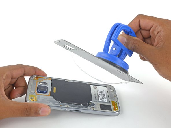 Image 3/3: Follow [https://www.ifixit.com/Guide/Samsung+Galaxy+S6+Edge+Rear+Glass+Adhesive+Replacement/47490|this guide] to reinstall the rear glass.