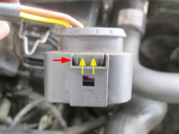 Image 3/3: Removing the high beam cover might help you get a better grip on the plug, especially on the passgener side.