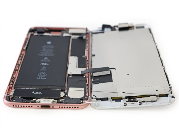 iFixit rozebrali iPhone 7 Plus
