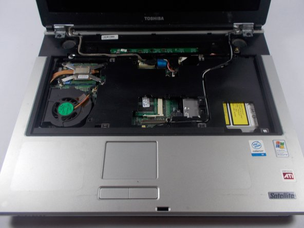 "Toshiba Satellite A85-S107 15"" Fan Replacement"