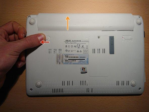 Bewege den Schalter mit der Kennzeichnung 2 nach links. Halte ihn in dieser Position.