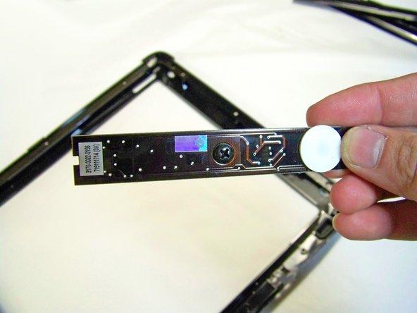 Remplacement du bouton avant du Apple Studio Display M7649