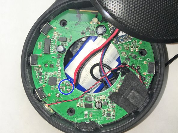 Image 1/1: If you are unsure how to desolder these connections refer to : [https://www.ifixit.com/Guide/How+To+Solder+And+Desolder+Connections/750| How To Solder and Desolder Connections]