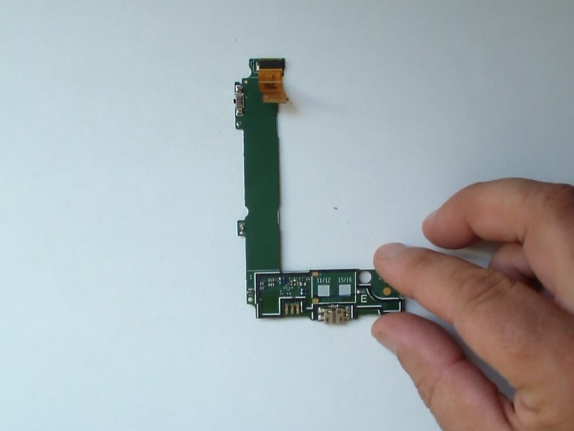 Microsoft Lumia 535 Repair Ifixit Pic16f84 Circuit For Lcd Nokia Charging Port Dock And Microphone Flex