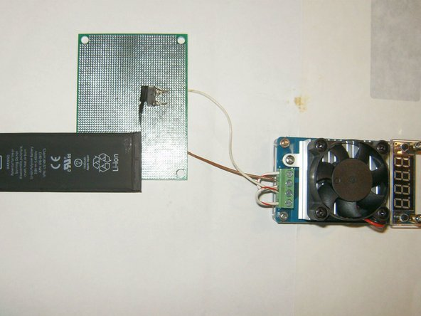 Image 1/3: Same connection is made with the Gold Battery (test in progress)