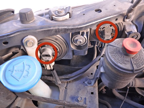 1998 2002 honda accord headlight bulb replacement 1998 1999 image 1 2 detach the head light connectors by pushing on the lever on