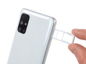 Samsung Galaxy M51 SIM-Karteneinschub entfernen