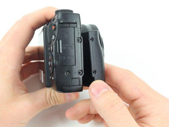 Image 2/2: One 2mm screw