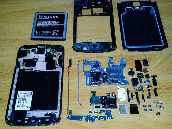 Antenna/SIM/SD Reader/SIM card/Micro-SD card.