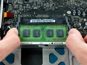 "MacBook Pro 15"" Unibody Late 2008 and Early 2009 RAM Replacement"