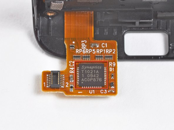 Image 1/2: Interestingly enough, this is similar to the digitizer found in [guide|2902|Microsoft's Kin Two|stepid=14122].