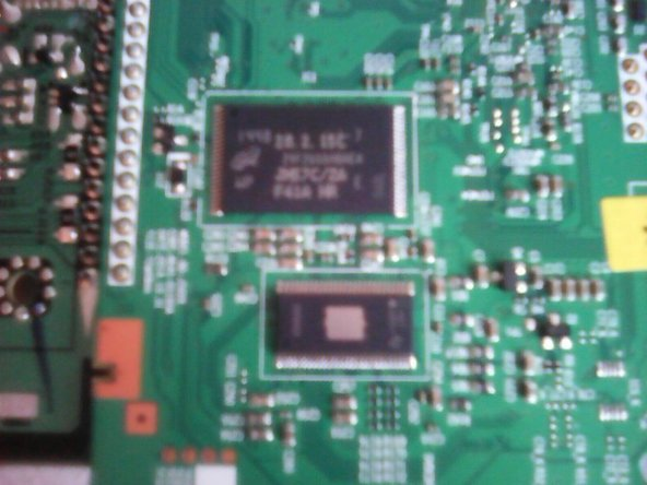 Flash memory (Capacity N/A, probably around 2GB)