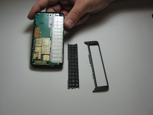 Now this half of your phone will be in three pieces.