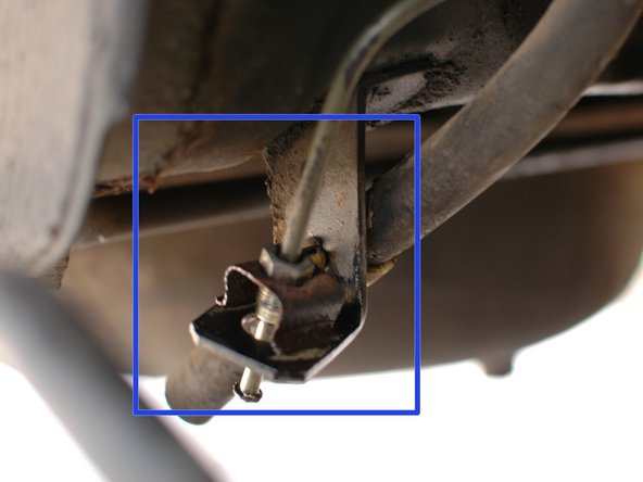 You can see here where it connects to the caliper on the rear driver's side. It will be similar on all four calipers.