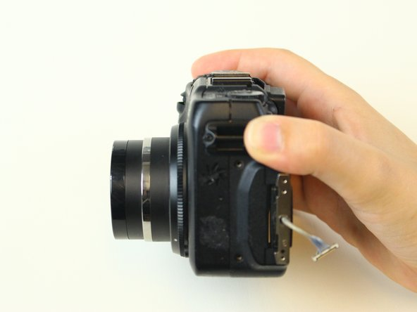 Canon PowerShot G12 Retaining Bar Replacement